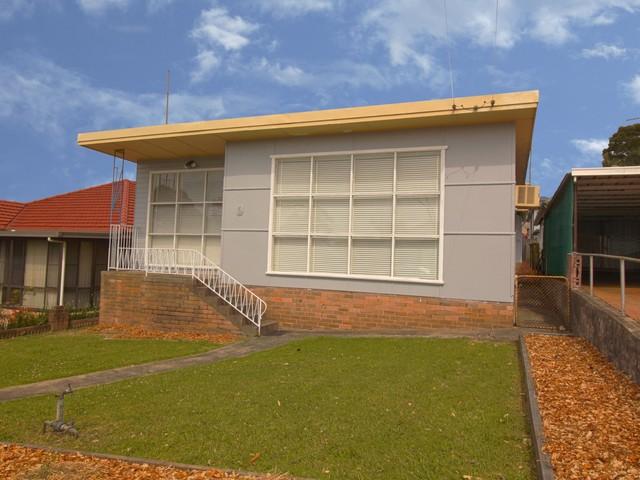 6 Grasmere Street, Mount Saint Thomas NSW 2500