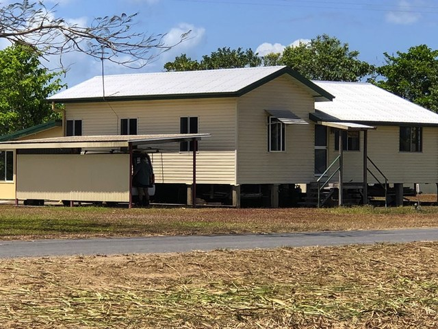 98 Jodrell Rd, Rockingham QLD 4854