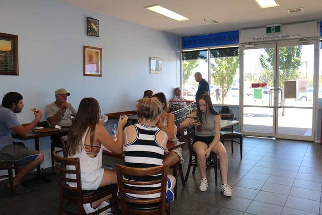 Shop 2/37 Bowman Street, Macquarie ACT 2614