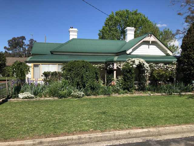 71 Lambeth, NSW 2370