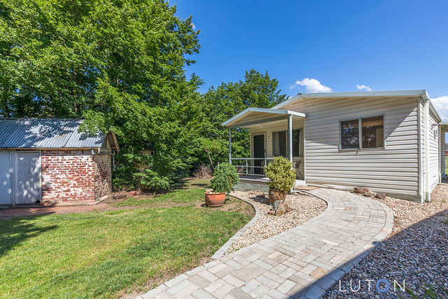 2/919 Cotter Road, ACT 2611