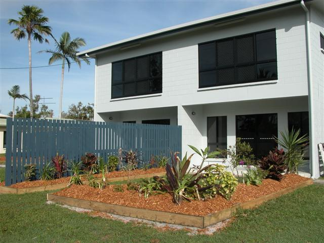 1,2 & 3/117 Taylor Street, Tully Heads QLD 4854