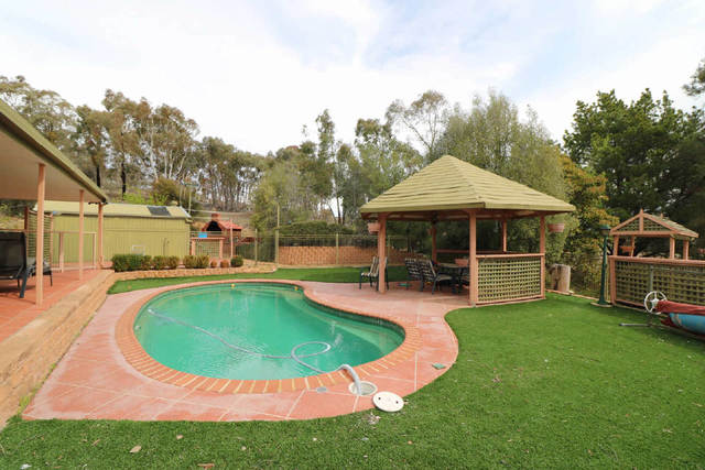 42 Powell Drive, Carwoola NSW 2620