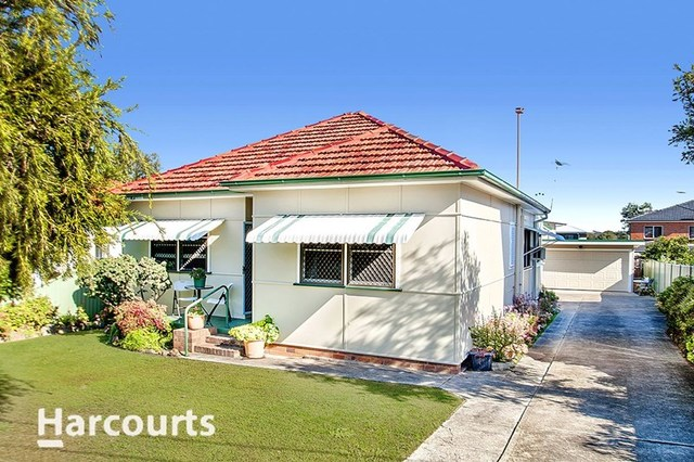 18 Hayes Avenue, Northmead NSW 2152