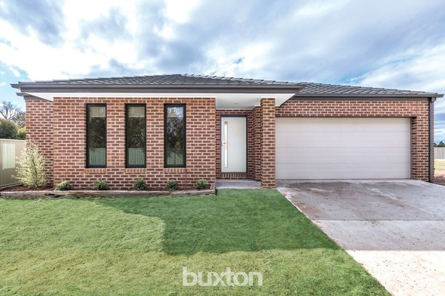 5 River Place, Miners Rest VIC 3352