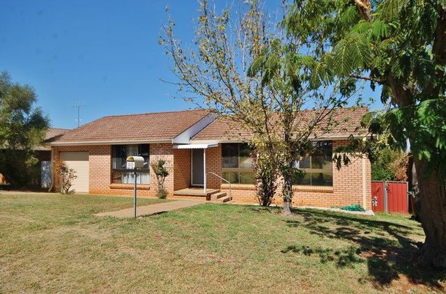 20 Dwyer Drive, Young NSW 2594