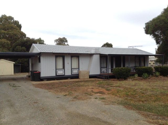 28 South Tce, Jamestown SA 5491