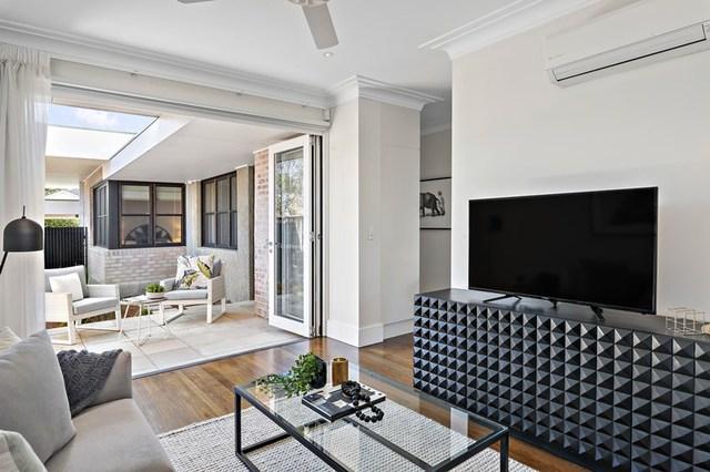 1 Raeburn Avenue, Castlecrag NSW 2068