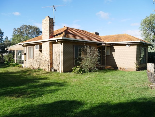 44 Coburns Road, Melton South VIC 3338