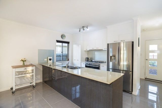 12 Parkview Drive, Little Mountain QLD 4551