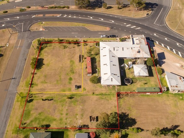 58 Tenterfield St, Wallangarra QLD 4383