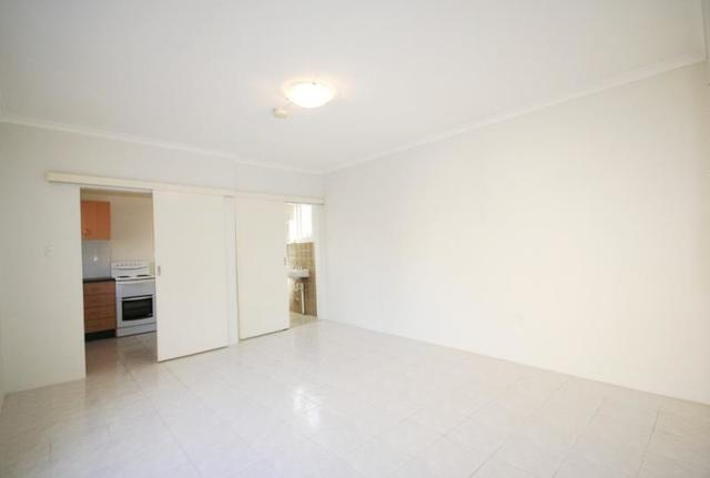 2/10 Short Street, NSW 2037