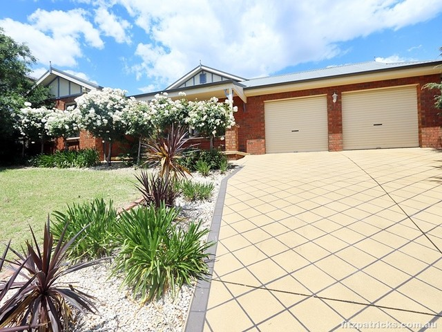 42 Bourkelands Drive, NSW 2650