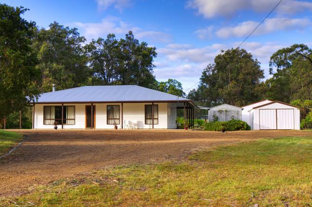843 Sandy Creek Road, Quorrobolong NSW 2325