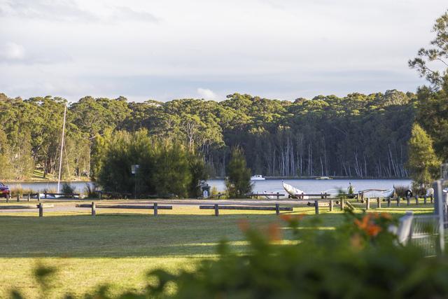 15 Honeysuckle Close, Burrill Lake NSW 2539