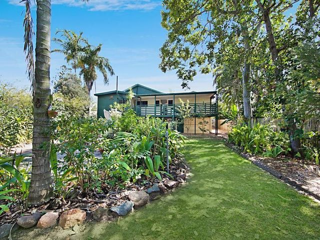 42 Albany Road, Hyde Park QLD 4812