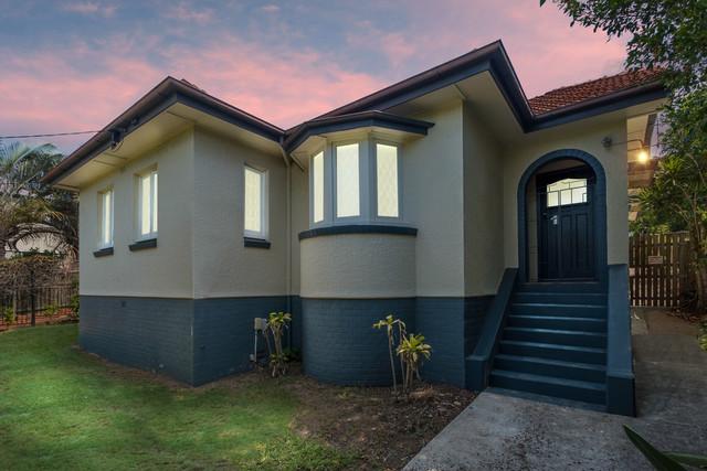1145 Logan Road, Holland Park West QLD 4121