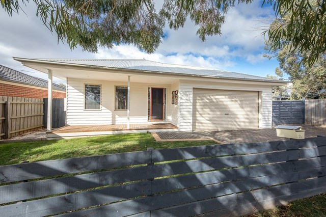 2A Rose Boulevard, Lancefield VIC 3435
