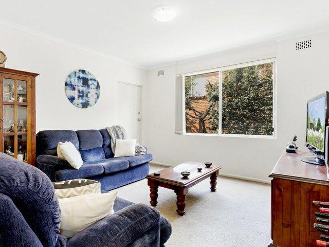 3/5 Kelvin Road, Coniston NSW 2500
