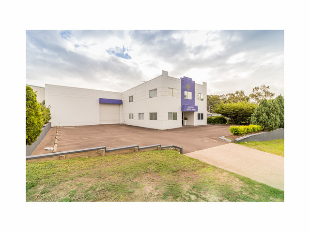 4 Alfred Close, Green Hills NSW 2365