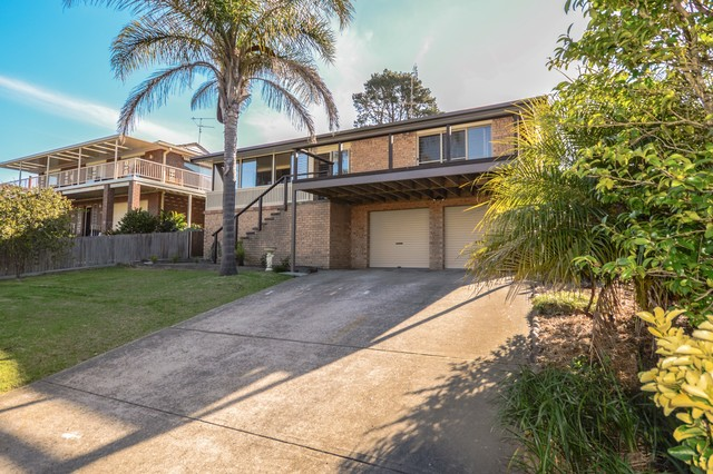 63 Salmon Street, Tuross Head NSW 2537