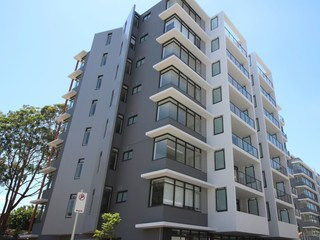 506/10 Waterview Drive