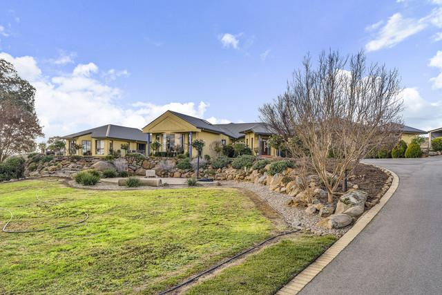 1 Vallencia Drive, Jeir NSW 2582