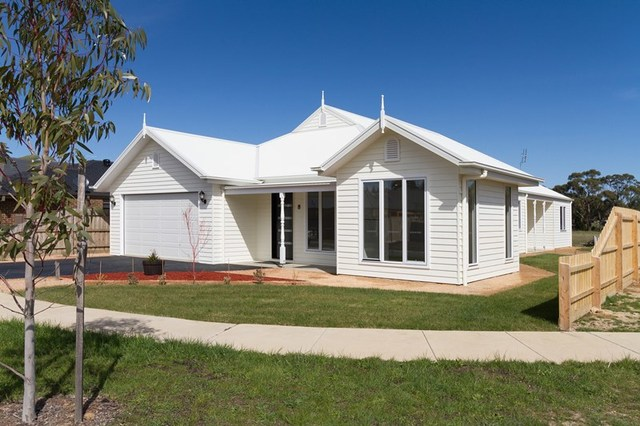 8 Sproule Place, Woodend VIC 3442
