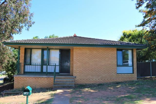 14 Cook Cresent, Young NSW 2594