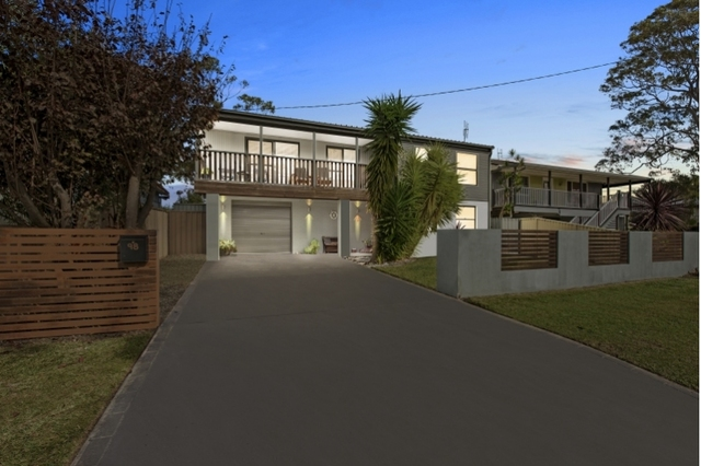 98 Cams Boulevard, Summerland Point NSW 2259