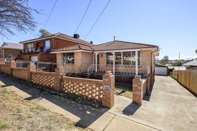 33 Surveyor Street, Queanbeyan NSW 2620