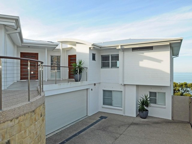 2/15 Seacliff Place, Caves Beach NSW 2281