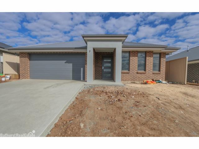 7 Basalt Way, Kelso NSW 2795