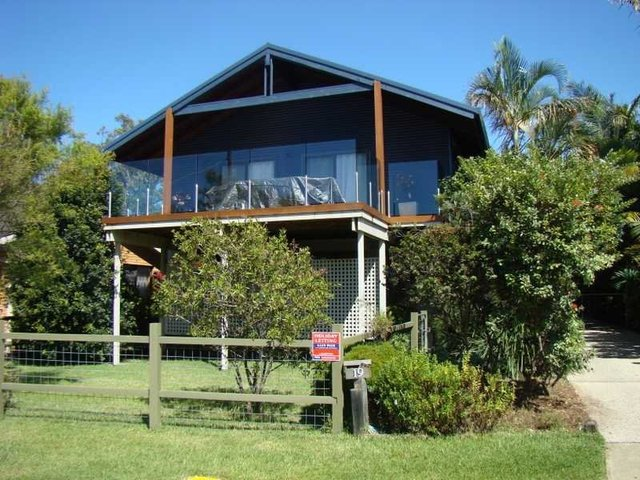 19 Bayside Avenue, North Haven NSW 2443