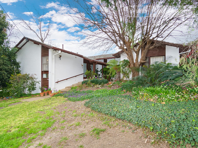 2 Fairview Street, Kooringal NSW 2650