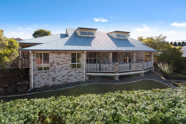 2 Dimbulah Court, Albany Creek QLD 4035