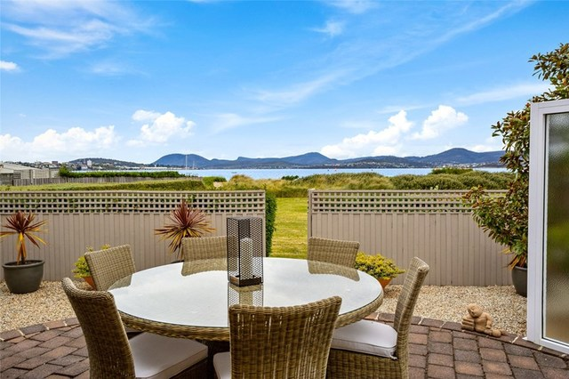 1/6 Mansell Court, Sandy Bay TAS 7005