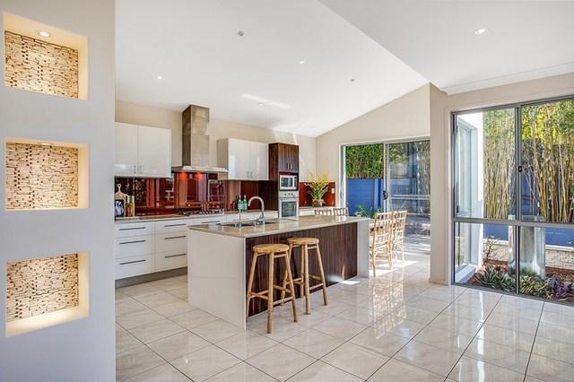15 Swanbourne Way, Elanora QLD 4221
