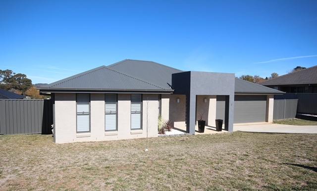 3 Stevenson Close, Oberon NSW 2787