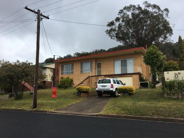 30 Sunnyside Ave, Batlow NSW 2730