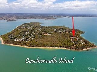 Property For Sale Coochiemudlo Island