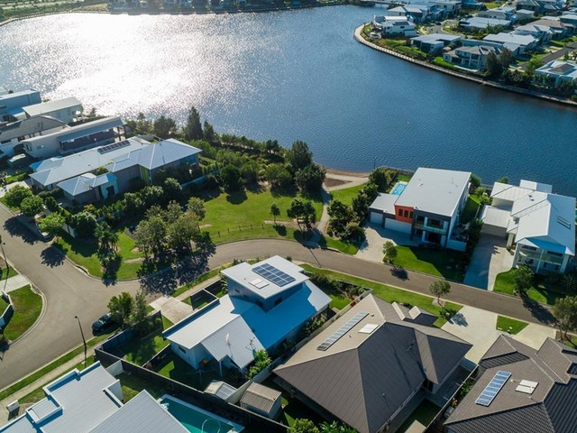 10 Headland Drive, Birtinya QLD 4575