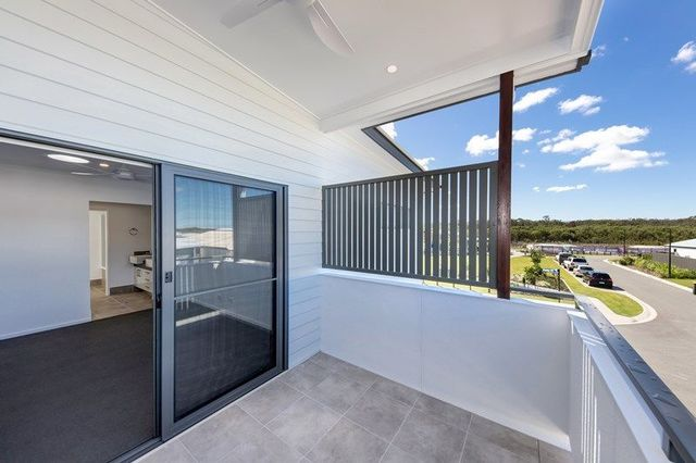 13 Stone Cres, Caloundra West QLD 4551