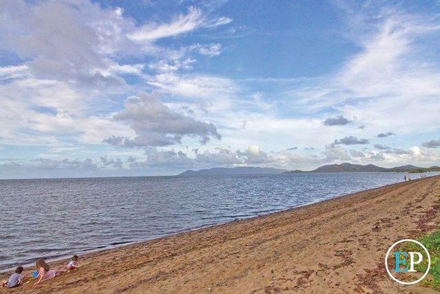 Bushland beach townsville