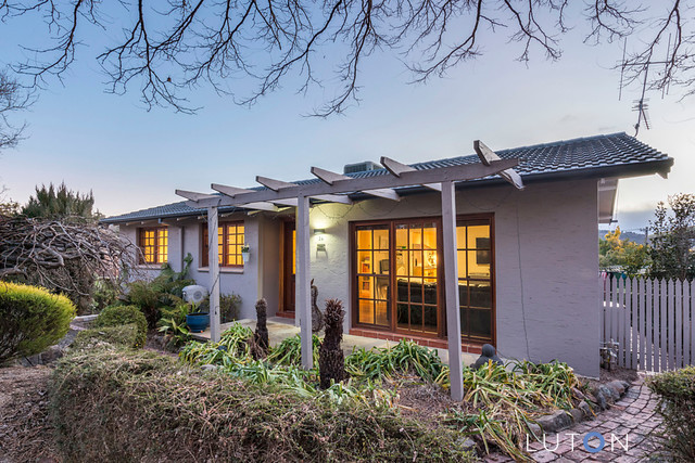 34 Spafford Crescent, Farrer ACT 2607