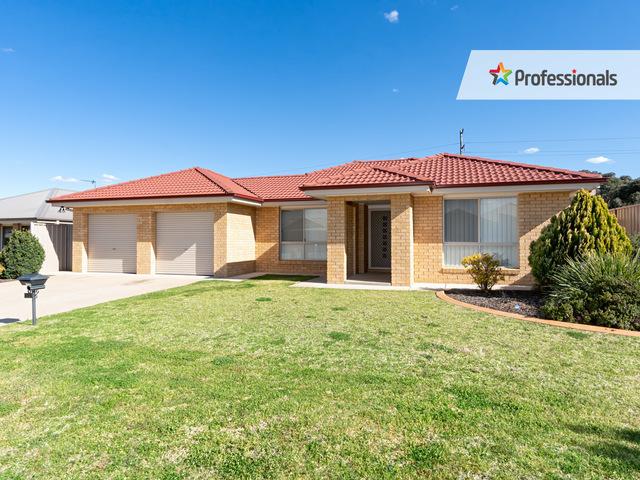 43 Barrima Drive, Glenfield Park NSW 2650