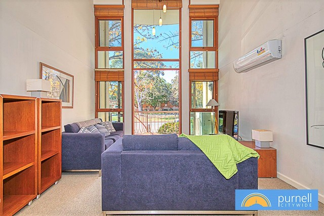 3/18 Captain Cook Crescent, ACT 2603