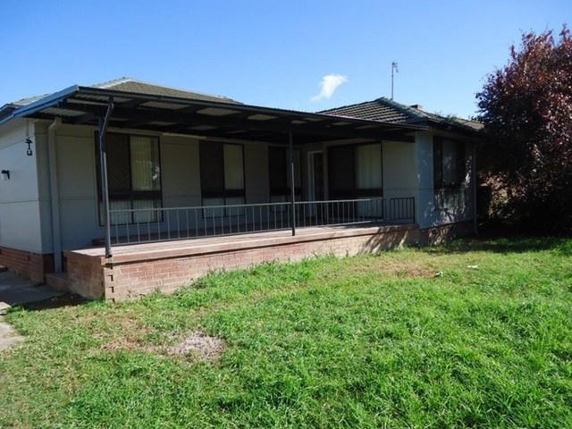 73 Ziegler Avenue, Kooringal NSW 2650