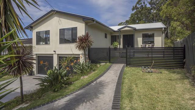 76 Carroll Avenue, Mollymook NSW 2539