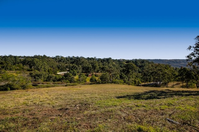 6 Keira Court, Blue Mountain Heights QLD 4350